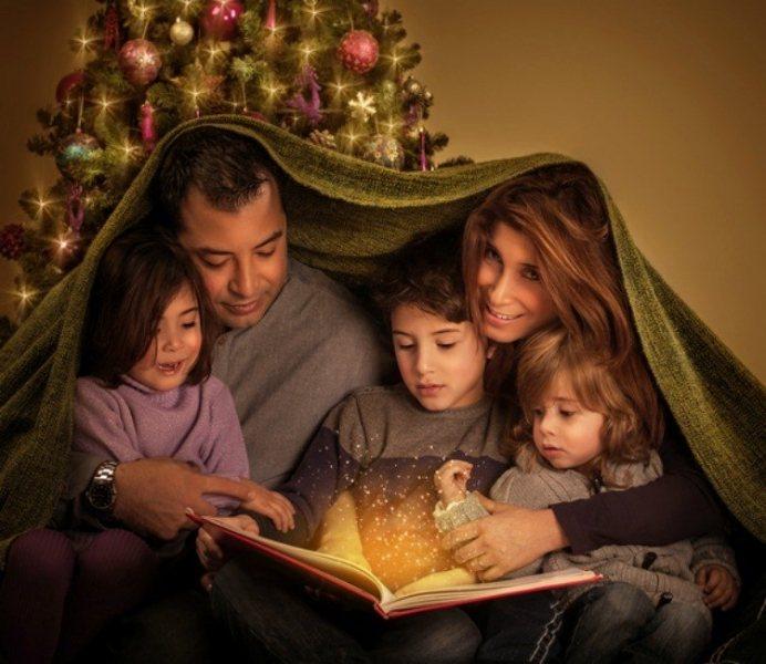 WeihnachtsmC3A4rchen-mit-der-Familie-2PJqgK
